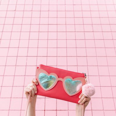 Can't Clutch This: Heart Sunnies Clutch