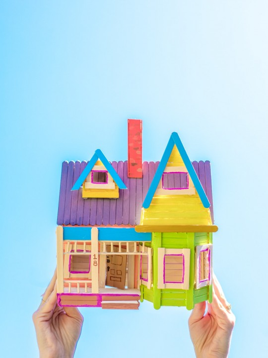 """How To Make A Popsicle Stick """"Up"""" House"""