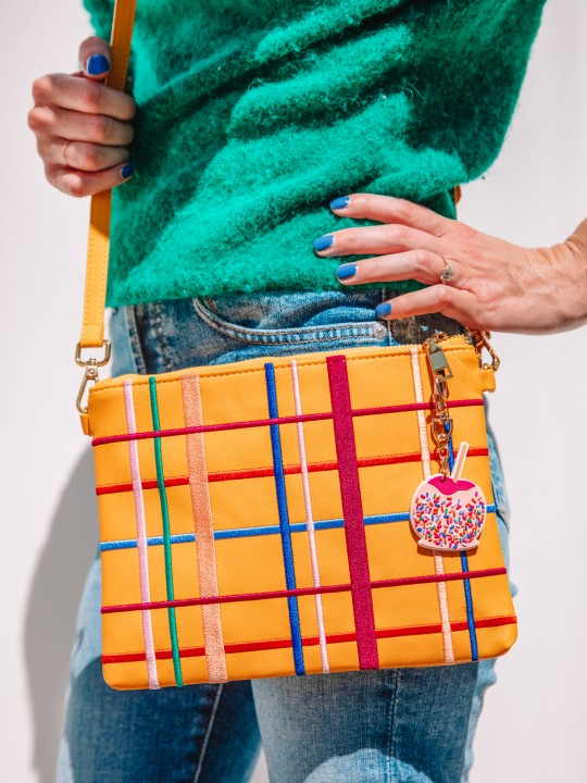 Can't Clutch This: Plaid Clutch