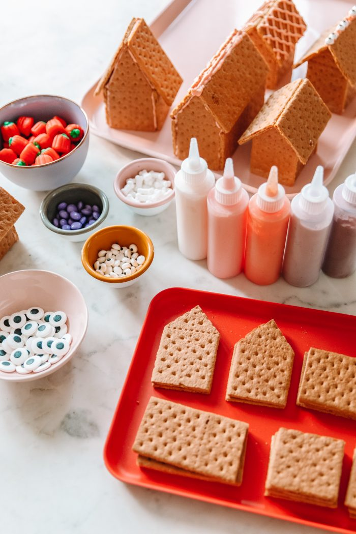How To Make An Edible Graham Cracker Haunted House for Halloween