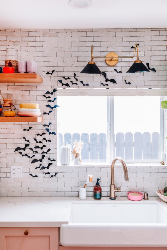 Halloween Kitchen Decor Ideas