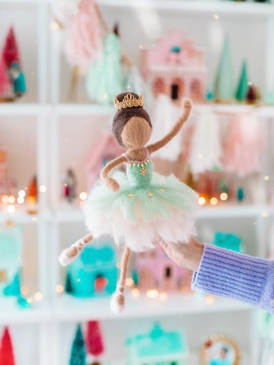 Needle Felted Doll Tutorial: DIY Sugar Plum Fairy Tree Topper