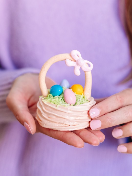 Meringue Easter Baskets