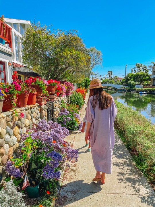 Colorful and Comfortable Dresses for Spring & Summer