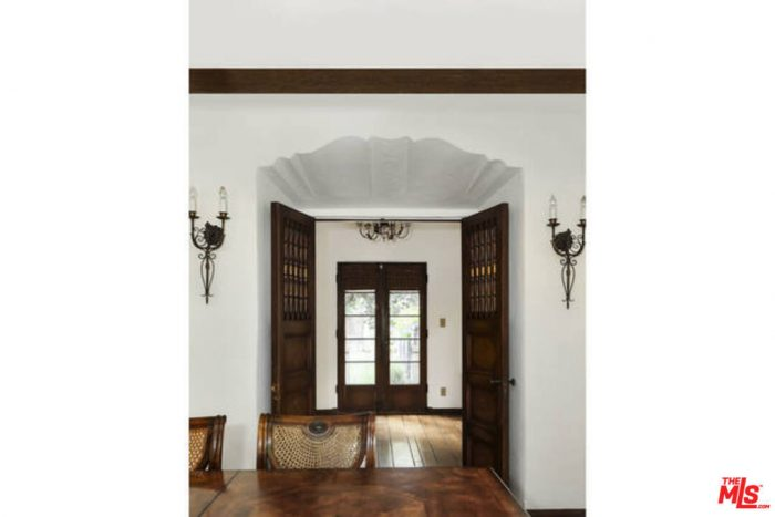 Arch Detail in a Historic Spanish Colonial Home in Los Angeles