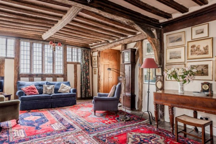 15th Century Freehold Tonwhouse Living Room