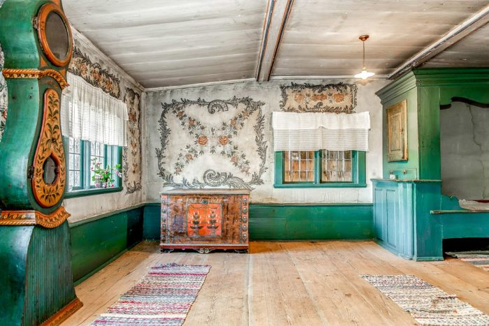 Dwelling House in Sweden with 17th Century Murals and Built Ins