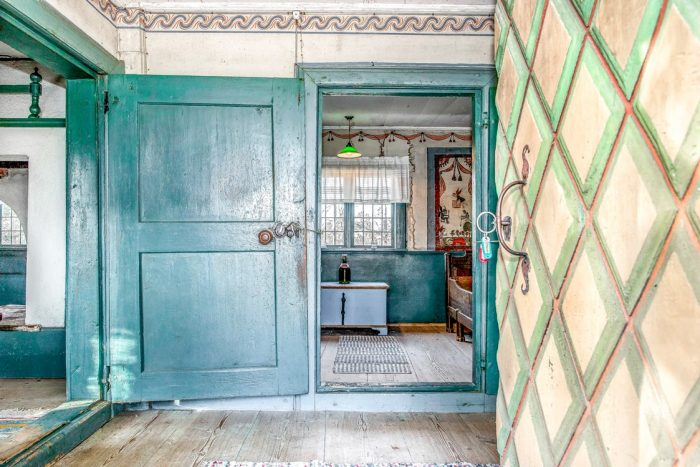 Dwelling House in Sweden with 17th Century Murals and Details