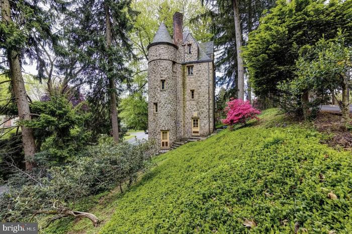 Pennsylvania Castle for Sale Exterior