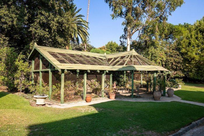 Victorian Home Altadena Greenhouse