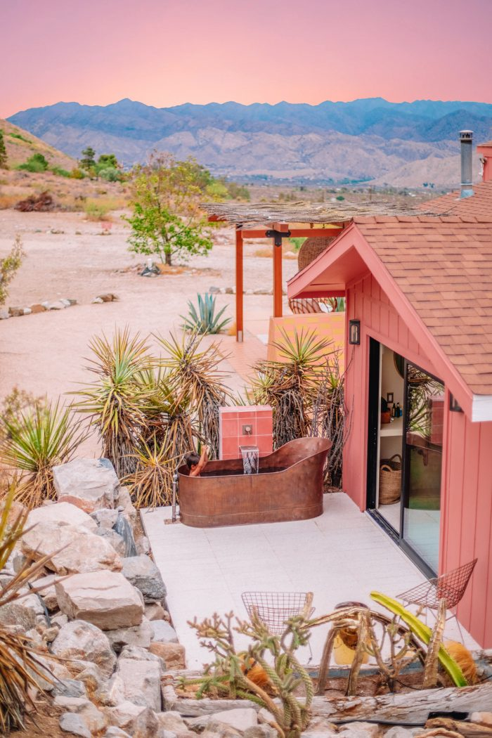Outdoor bathtub at Oeste in Yucca Valley