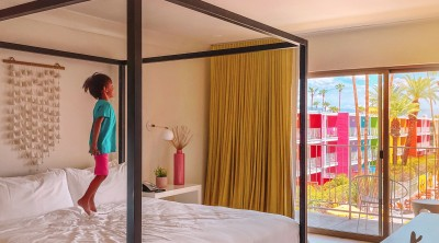 Canopy bed at the rainbow Saguaro hotel in Palm Springs
